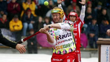 Jere Dahlström nousi kaikkien aikojen lyöjätilaston kärkeen Superpesiksessä