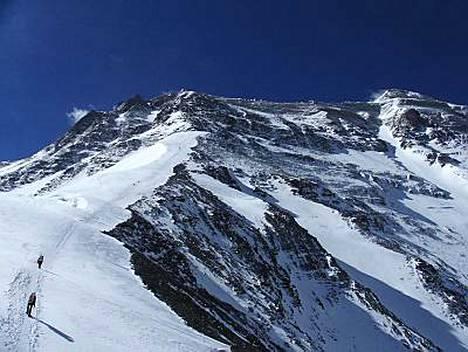 Olympiatuli käy maailman korkeimman vuoren huipulla toukokuussa.