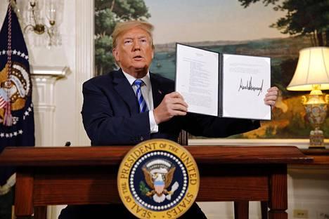 Presidentti Donald Trump ilmoitti päätöksestään tiistaina.