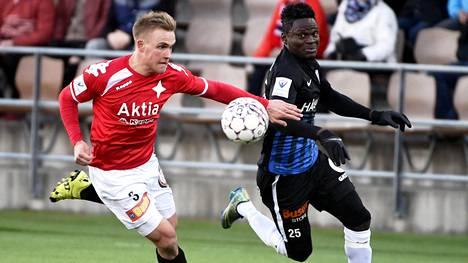 Philip Njoku (oik.) teki Interin 1–0-maalin.