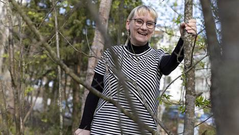 Pauliina Ilmonen johtaa tutkimusryhmää, joka laskee koronaviruspotilaiden määriä Suomessa ja laatii mallinnuksia viruksen leviämisestä.