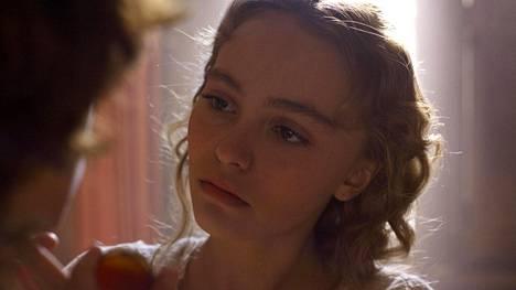 Johnny Deppin tytär Lily-Rose Depp näyttelee tanssija Isadora Duncania elokuvassa The Dancer.