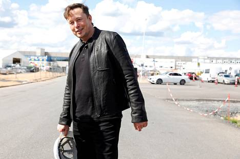 Elon Muskin SpaceX tekee kaupallisia avaruuslentoja.