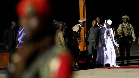 Yahya Jammehin lähdön myötä Gambian kassasta katosi yli kymmenen miljoonan euron edestä valuuttaa.