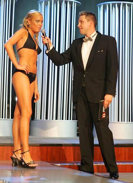 Jani Sievinen tapasi Miss Baltic Sea & Scandinavia -kisaan osallistuneen Mari Samuelsin Tallink Galaxylla 2006, vain muutamaa kuukautta ennen uintiuransa lopettamista.