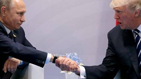 Putin ja Trump tapasivat Hampurissa G20-maiden kokouksessa 7.7.2017.