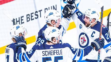 Patrik Laineen tarkka ja tulinen kuti aiheutti erikoisen ilmiön Jetsin treeneissä – nimettiin NHL:n parhaaksi vedoksi