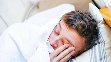 """Influenssavirusta kiertää jo: """"On todennäköistä, että tulemme toteamaan kaikkia neljää virustyyppiä"""""""
