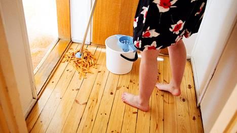 Siivoaminen on myös loistavaa hyötyliikuntaa.