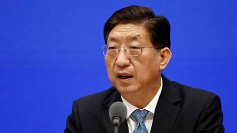 Kiinan kansallisen terveyskomission varaministeri Zeng Yixin osallistui tiedotustilaisuuteen torstaina.
