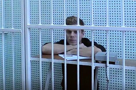 Venäjän tunnetuimpiin jalkapalloilijoihin lukeutuva Aleksandr Kokorin kuunteli syytteitä lokakuun vangitsemisoikeudenkäynnissä.