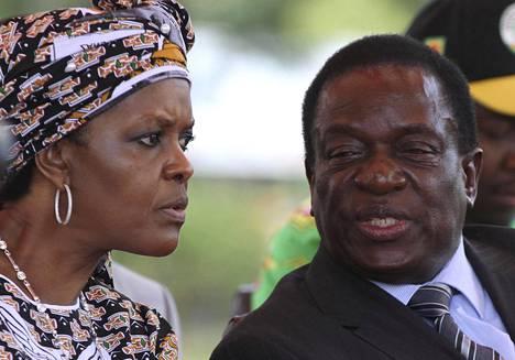 Grace Mugabe ja varapresidentti Emmerson Mnangagwa ZANU-PF-puolueen tapaamisessa helmikuussa 2016.