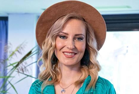 Mariska nähdään parhaillaan televisiossa pyörivän Vain elämää -ohjelman 11. tuotantokaudella.