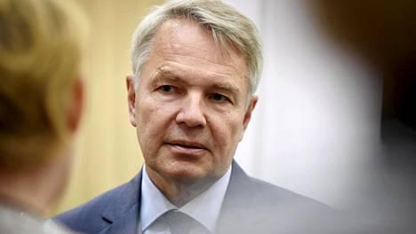 Ulkoministeri Pekka Haavistolta (vihr) haluaa pikaisesti selvitystä ulkoasiainvaliokunnassa.