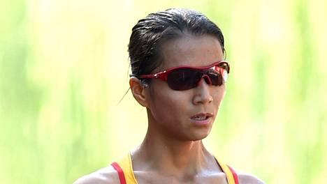 Kiinalainen ME-nainen ja hallitseva 20 kilometrin kävelyn maailmanmestari Liu Hong antoi positiivisen dopingnäytteen toukokuussa. Liu pääsee jahtaamaan Rio de Janeirossa olympiakultaa, sillä hän sai vain kuukauden kilpailukiellon.