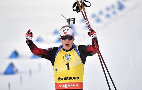 Johannes Thingnes Bö voitti ampumahiihdon miesten maailmancupin kokonaiskisan.