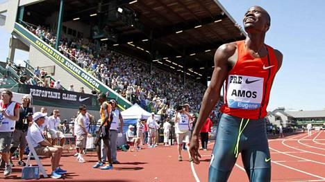 Nijel Amos oli kovatasoisen kilpailun paras mies loppukirissä.