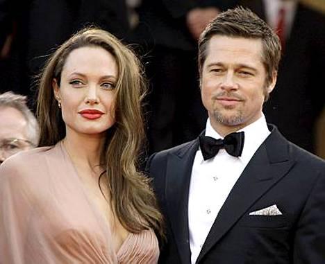 Angelina Jolie ja Brad Pitt ostivat talon New Orleansista hirmumyrsky Katrinan jälkeen.
