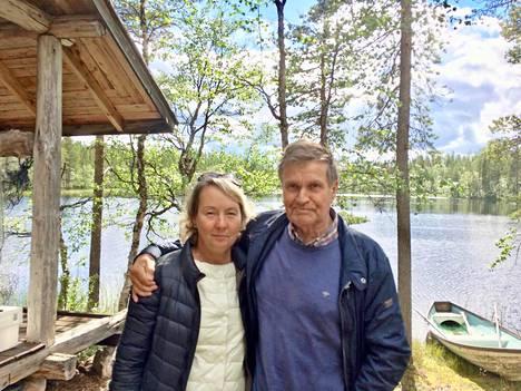 Svetlana Aksjonova, 54, ja Hannu Mäkelä, 75, tutustuivat kahdeksan vuotta sitten. Aviopari ei ehtinyt muuttaa yhteiseen kotiin.