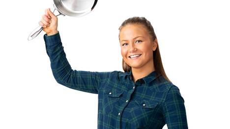 - Aina puhutaan, että keittiö on täynnä miehiä. En ole samaa mieltä, Adele Kinnunen sanoo.