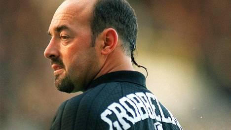 """Liverpoolin entinen tähti muistelee futishistorian karmeimpiin kuuluvia stadionturmia: """"Nostin kentältä kaksi veistä"""""""
