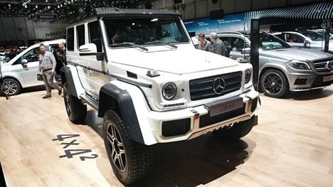 Ristolainen hurjasteli jättisakkonsa tällaisella Mercedes-Benz G 500 -maastoautolla. Arkistokuva.