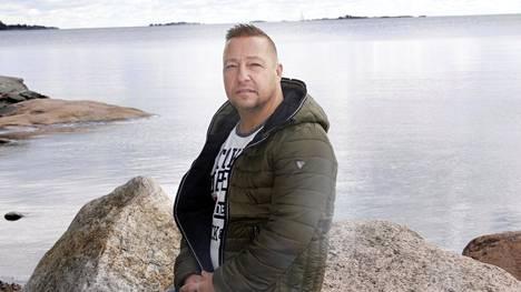 Jari Puoliväli selviytyi uppoavalta Estonialta 25 vuotta sitten.