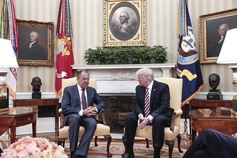 Trumpin kerrotaan tavanneen Lavrovin presidentti Putinin pyynnöstä.