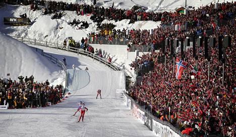 Petter Northug hiihti 50 kilometrin MM-kultaa Holmenkollenilla 2011.