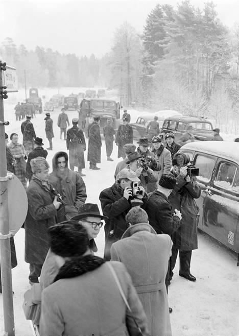 Suomalaiset joukot marssivat Porkkalaan 27.1.1956.