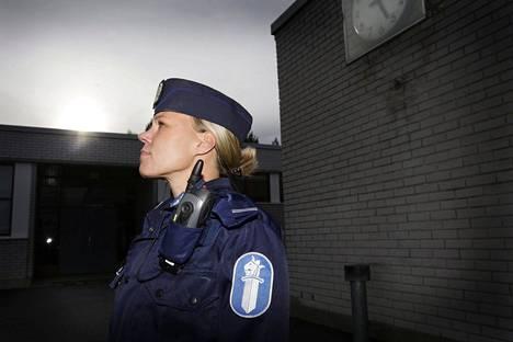 Komisario Katja Nissinen toivoo hyvää vuoropuhelua kotona vanhempien ja nuorison kesken.