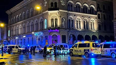 Joukkotappelu tapahtui Turun Linnankadulla 9.–10.7. välisenä yönä.