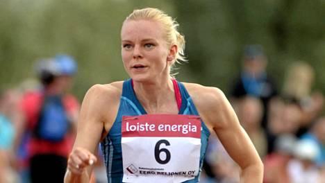 Hanna-Maari Latvala juoksi Joensuussa ennätyksensä 100 metrillä.