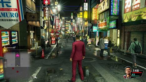 Rikosdraamaa ja huumoria sekoittava roolipeli vakuuttaa uudella Xbox Series X:llä. Hulppean tehomyllyn ansiosta yksityiskohdat viehättävät, kuva on tarkka ja ruudunpäivitys pysyy sulavana.
