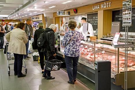 Suomalaisen ruokapyramidin mukaan punaista lihaa ei tulisi syödä kovin paljon.