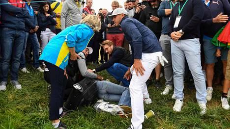 """Golfpallo teki hirveää tuhoa huipputurnauksen katsomossa, fanin """"silmämuna räjähti"""" – luvassa oikeusjuttu"""