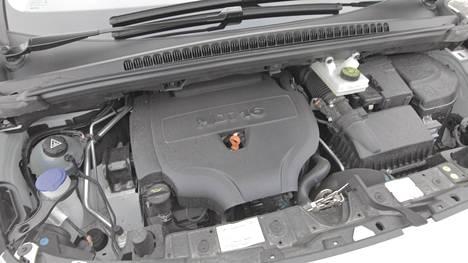 Kuvassa Peugeot 3008:n Allure Hdi -moottori.