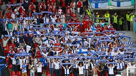 Suomen kannattajat keräävät kiitosta.