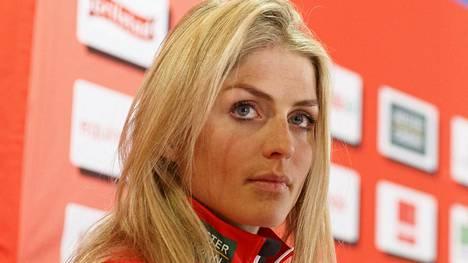 Therese Johaug jahtaa MM-rajaa yleisurheilussa.