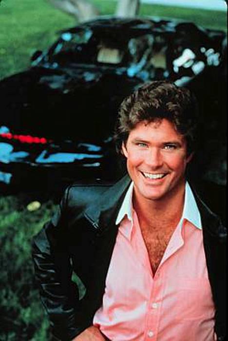Ritari Ässä -sarjassa näyttelijä David Hasselhoffin autona nähtiin useita eri menopelejä.