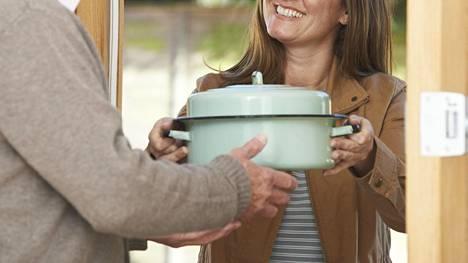 Naapureiden jatkuva tavaroiden lainaileminen voi tehdä loven naapurisopuun.