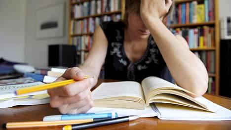 Huippulukioihin pyrkivien uskotaan olevan valmiita maksamaan valmennuskursseista jo peruskoulussa.