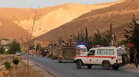 Jihadistit tappoivat kaksi sotilasta Libanonin rajakaupungissa Arsalissa.