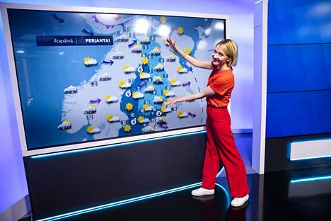 Meteorologi Anniina Valtosen voi nähdä Ylen aamun lähetyksessä arkisin TV1 klo 6.25 alkaen. Illalla säälähetykset tulevat klo 18.00 ja klo 20.30 alkavien uutisten yhteydessä.