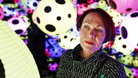 Taide ja kirjallisuus veivät Leena Varilan ajatukset hetkeksi pois aviomiehen menetyksestä.