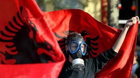 Albania kieltäytyy tuhoamasta Syyrian kemiallisia aseita maaperällään.