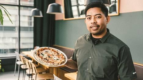Ryanille työ on intohimo, eikä leivonta lopu työpäivänkään jälkeen, kilpailun tiedotteessa kuvaillaan.