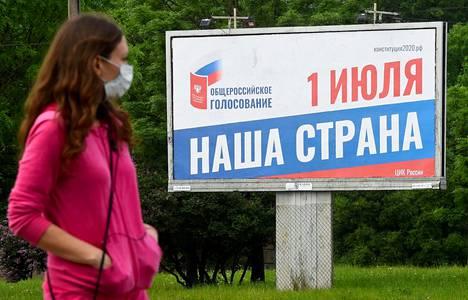 Vladimir Putinin ajamista perustuslakimuutoksista äänestetään Venäjällä 1. heinäkuuta, joten kansaa yritetään agitoida uurnille parhaillaan.
