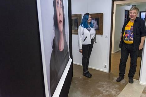 Taiteilijapari Mylene Mersault ja Mikko Keinonen ovat pystyttäneet Kanttilaan valokuvanäyttelyn.