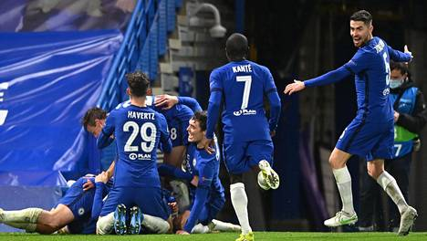 Chelsean riemu repesi, kun loppuvihellys kuului.
